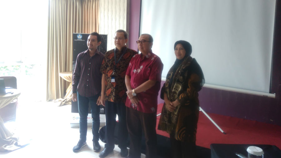 Penyelenggaraan workshop 'Seni Media'.